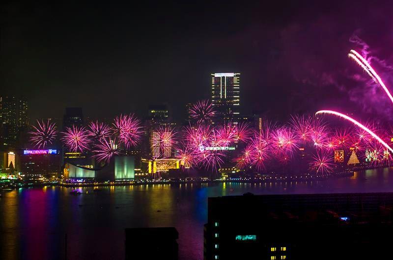 跨年煙火燦爛!到香港新加坡迎接新年吧!