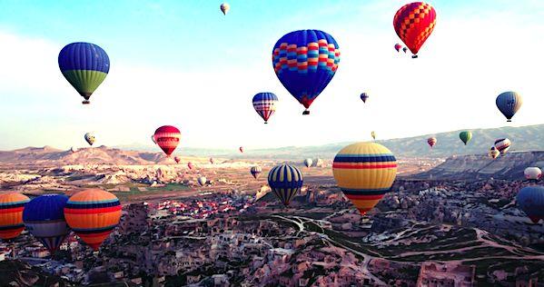 千年奇幻地下城探險!土耳其卡帕多奇亞體驗「熱氣球飛行」與「穴居生活」