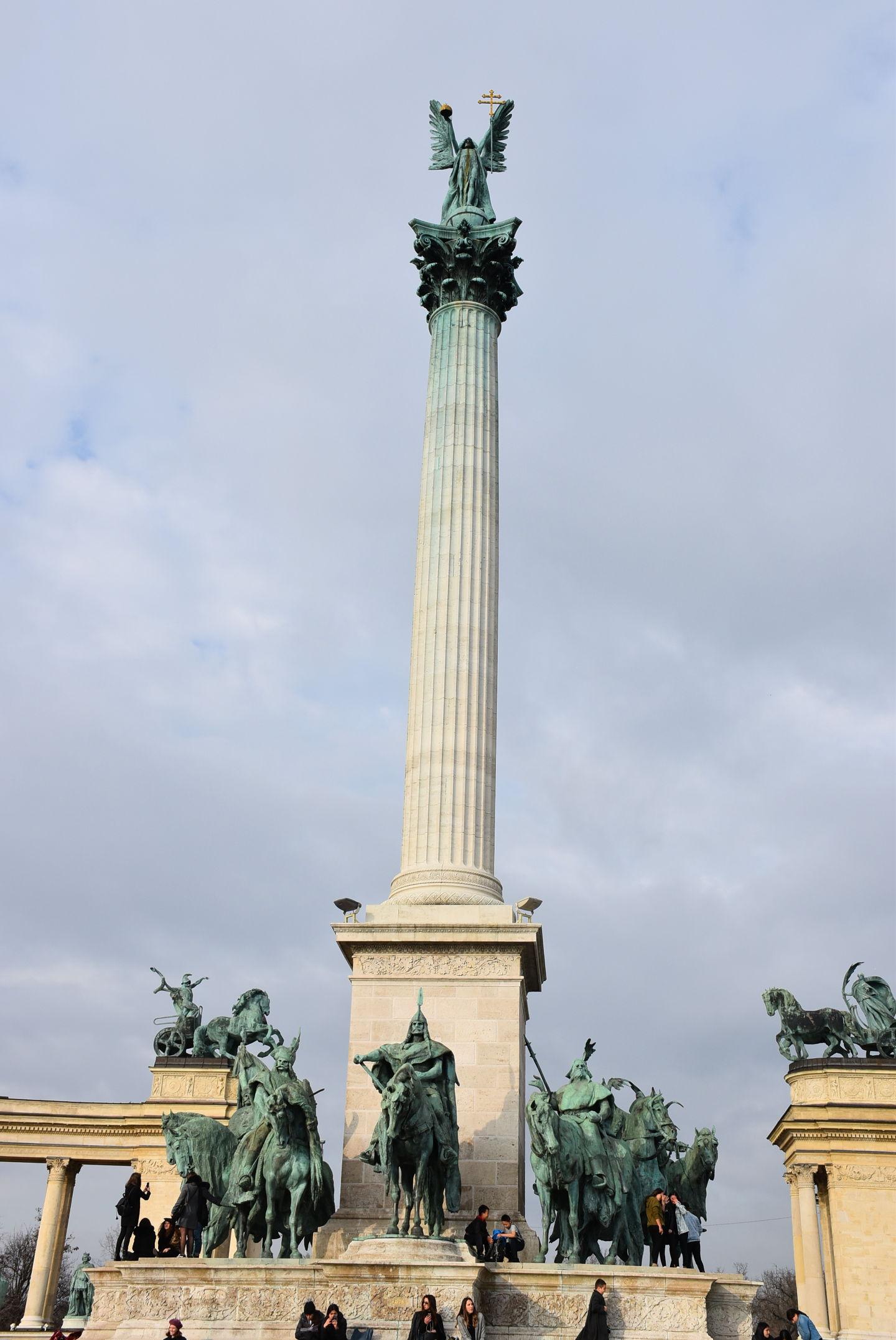 布達佩斯英雄廣場