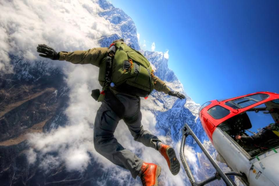 2018 The World's best places to go SKYDIVING
