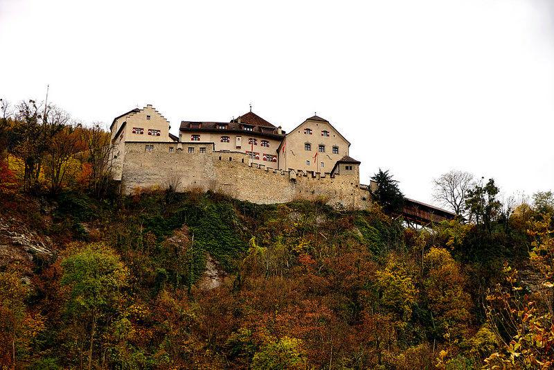 2018 Top 10 世界最古老壯觀的城堡 快收入旅行口袋名單