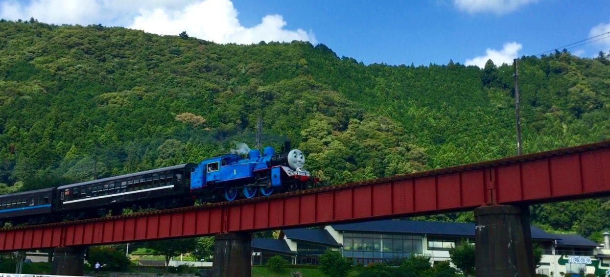 真實的湯瑪士小火車穿梭綠意中 ・大井川鐵道「湯瑪士號」