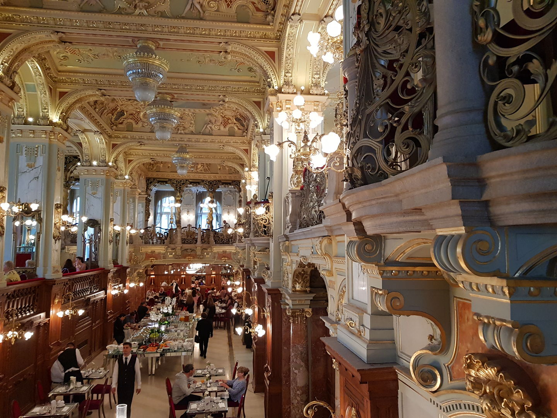 世界最美咖啡館在布達佩斯~紐約咖啡館